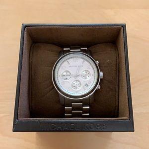 Michael Kors Bradshaw Silver tone Watch